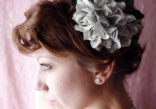 vintage blue flower clip