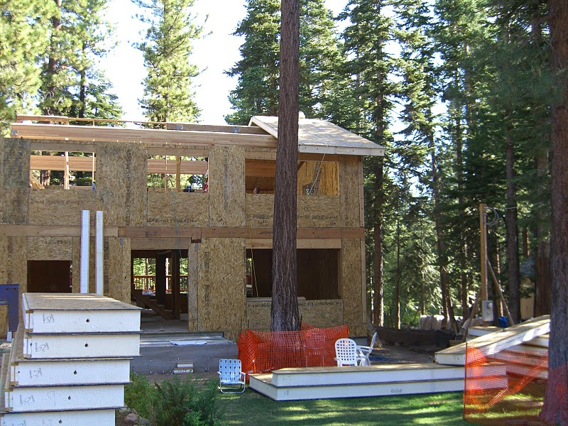 Green building with structurally insulated panels sips for Sip home construction