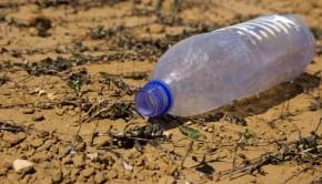 plastic litter shutterstock_115429057