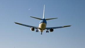 airplane landing shutterstock_77579881