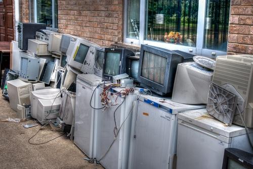 e-waste shutterstock_127059062