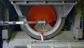smelter shutterstock_26359348