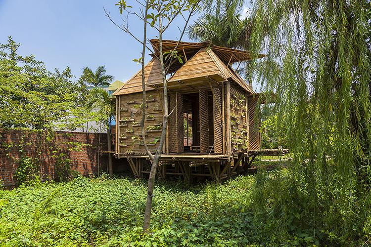 bamboo house 1 3019056-slide-52422bb1e8e44e67bf000015bb-home-h-p-architects-c-doanthanhha-7