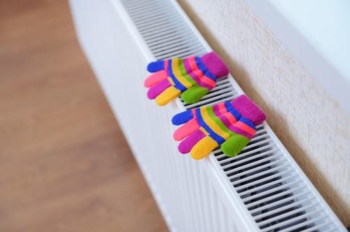 knitted gloves dryin shutterstock_159326525