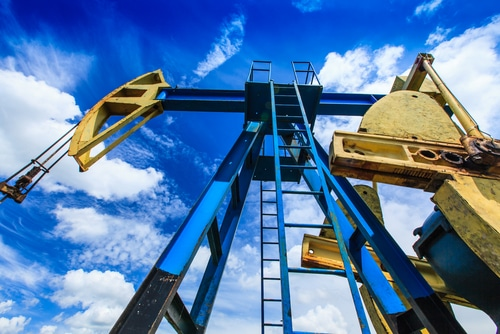 operating oil & gas well detail shutterstock_140413213