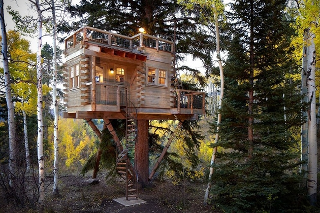 Rustic-Treehouse-Cabin-in-Colorado