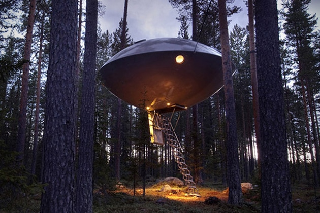 UFO-Treehouse-in-Sweden