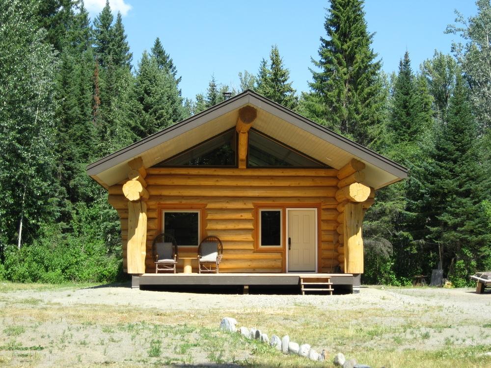 log cabin shutterstock_184341977