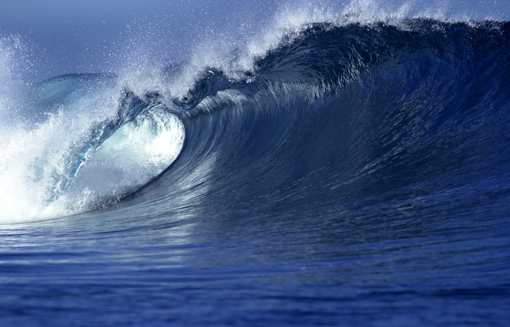 ocean waves provide continuous renewable energy