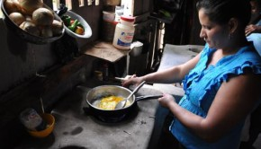 Farmers cook with biogas