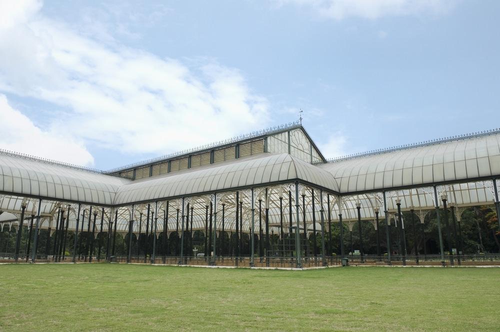 Glass house 4 shutterstock_161710514