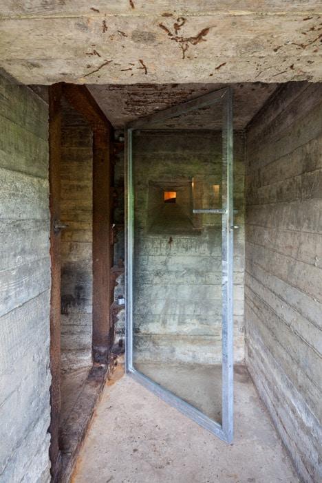 B-ILD-Nieuwe-Hollandes-Waterlinie-bunker-Tim-van-der-Velde_dezeen_468_0