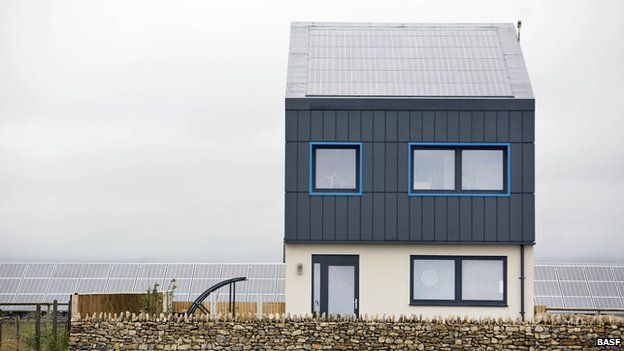 Zero Carbon House Defies British Political Leaders Green