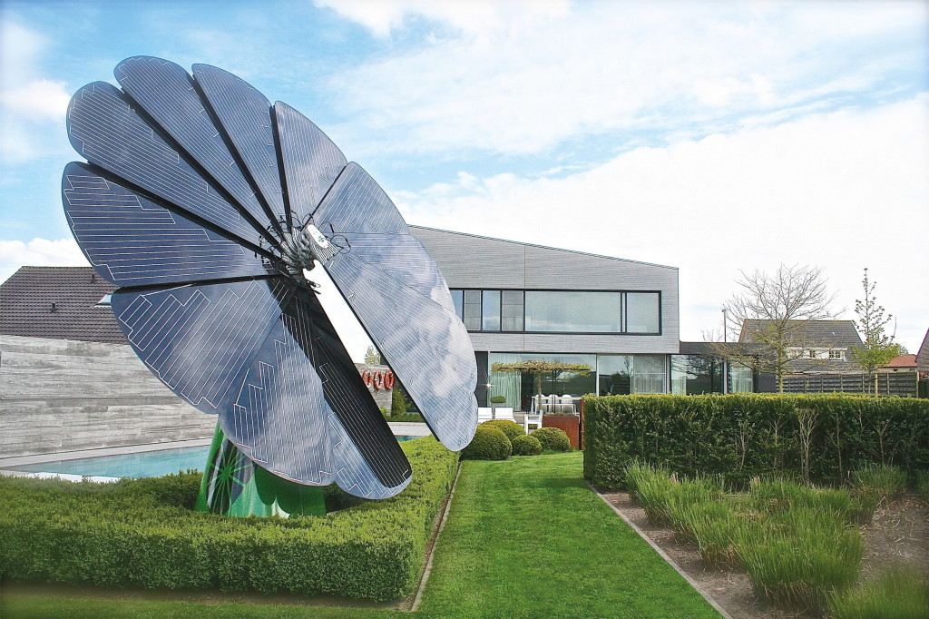 Solar Power Takes The Form Of A Sunflower