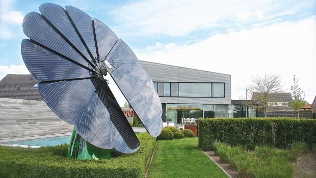 Smartflower supplies solar power