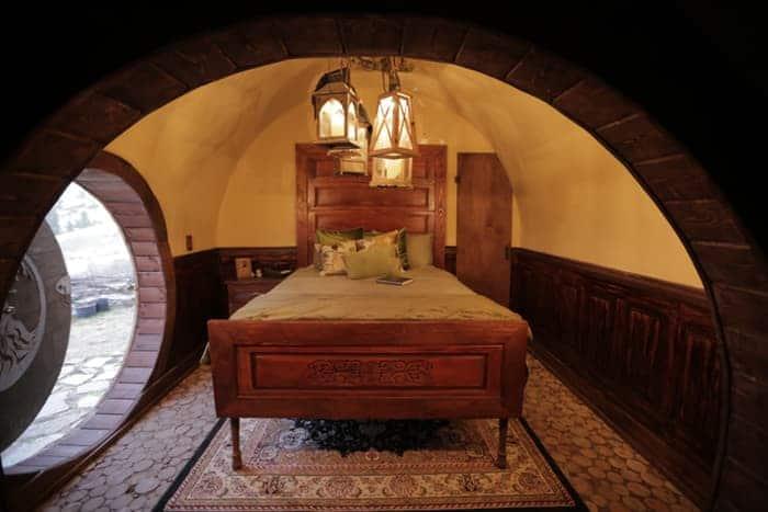 Hobbit House bedroom