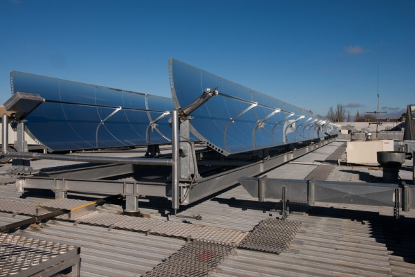 Operating at Stockland Wendouree Shopping Centre in Ballarat, Victoria, the solar air conditioning system uses concentrating solar thermal technology to produce heat energy used to power the system.
